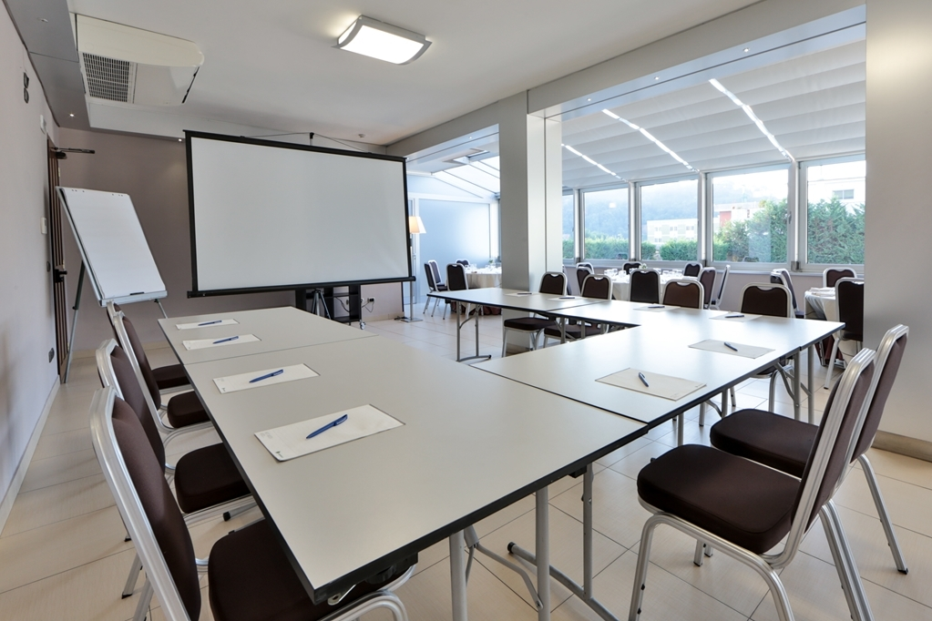 Best Western Suites & Residence Hotel - Meeting Room