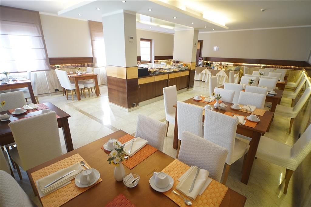 Best Western Suites & Residence Hotel - Breakfast Area