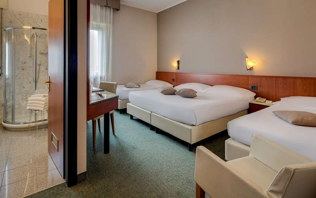 Best Western Hotel Turismo - Quadruple Room