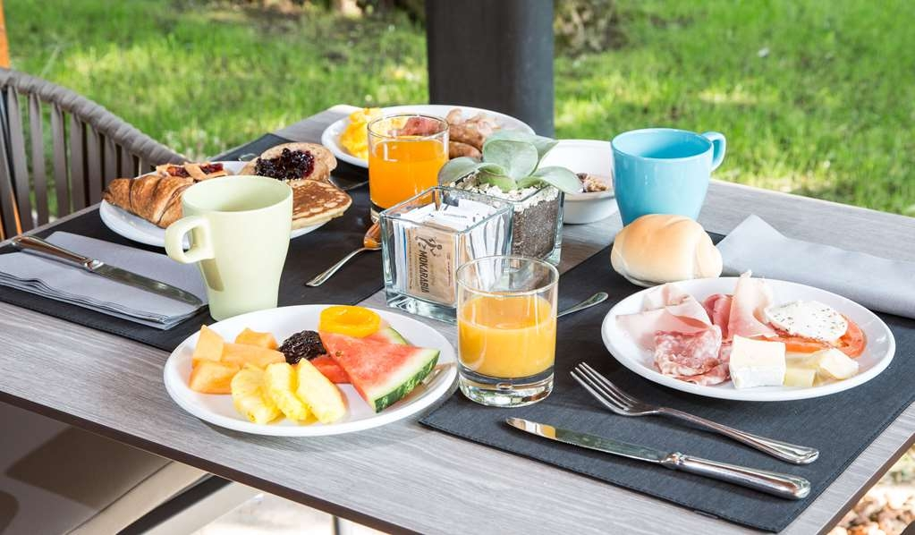 Best Western Hotel Turismo - Outdoor Breakfast