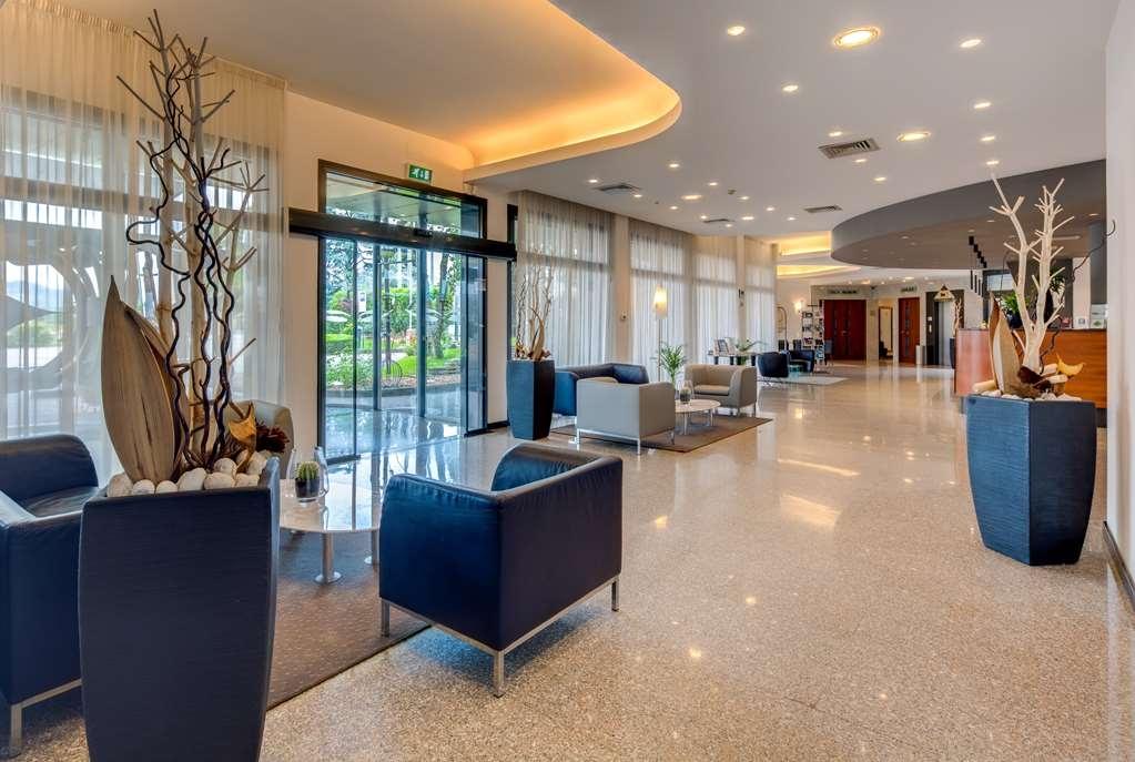Best Western Hotel Turismo - Vista del vestíbulo