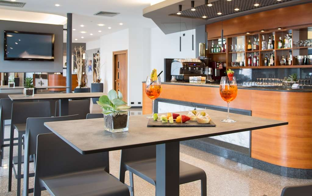 Best Western Hotel Turismo - Bar / Lounge