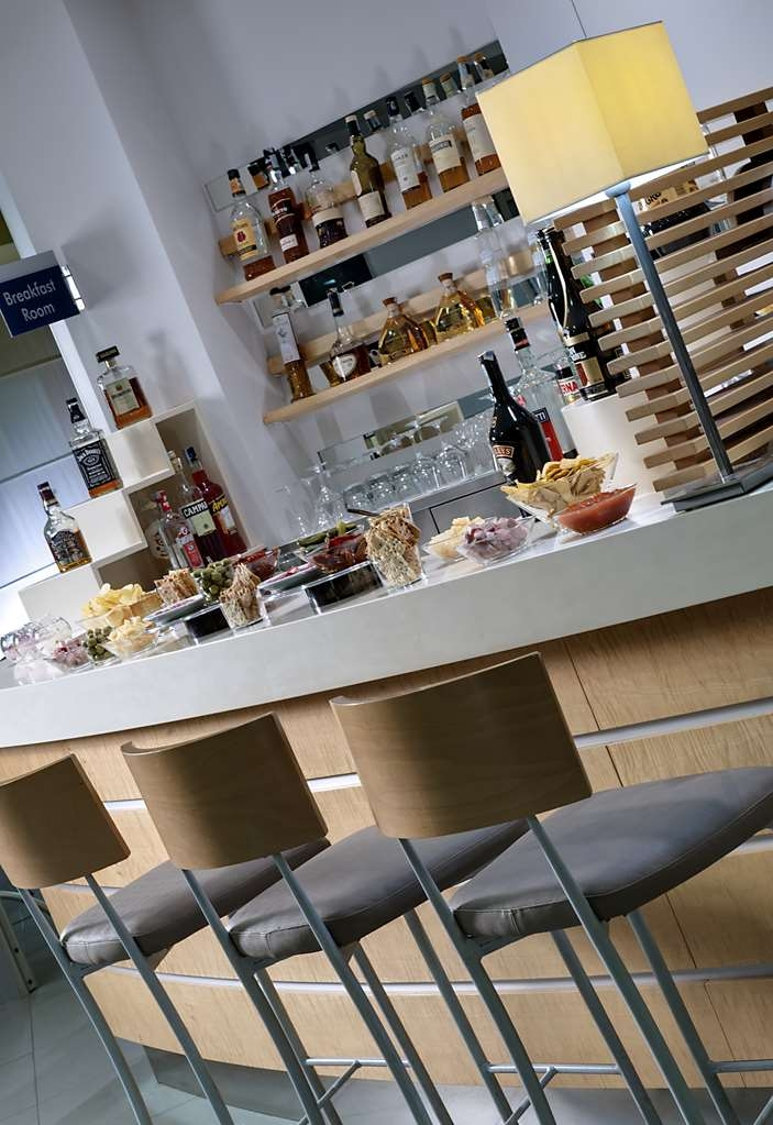 Best Western Hotel Langhe Cherasco & SPA - Hotel Bar