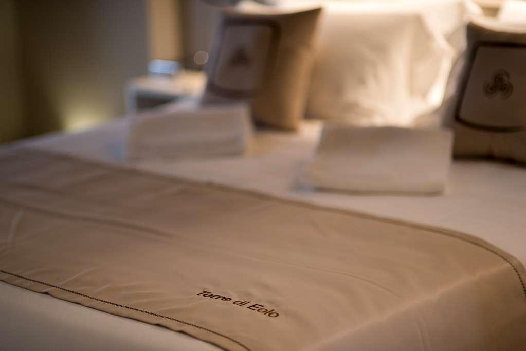 Best Western Plus Hotel Terre di Eolo - Guest Room Furnishings