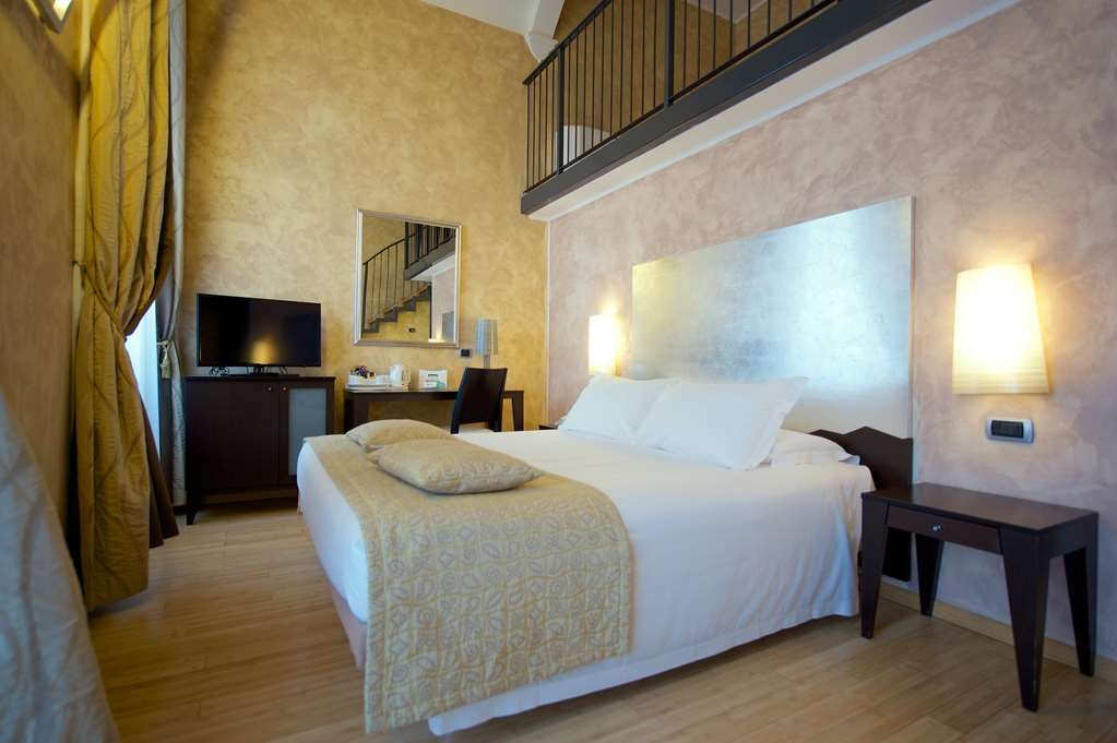 Best Western Crystal Palace Hotel - Double Standard Comfort Room BEST WESTERN CRYSTAL PALACE HOTEL TORINO