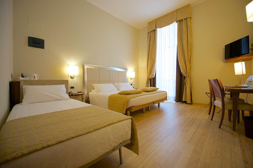 Best Western Crystal Palace Hotel - Triple Standard Room BEST WESTERN CRYSTAL PALACE HOTEL TORINO