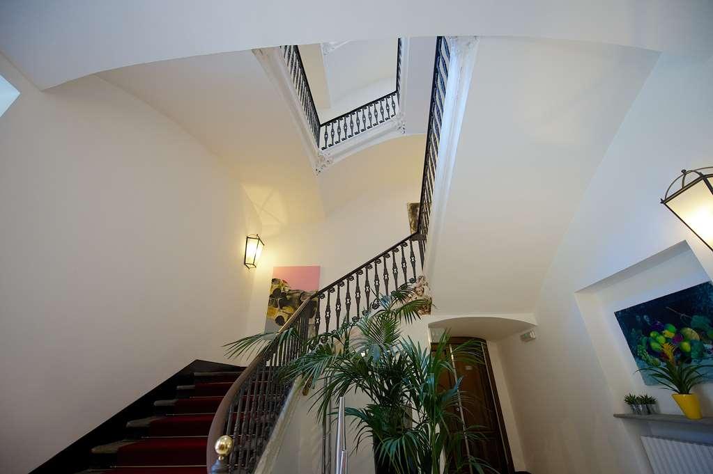 Best Western Crystal Palace Hotel - Interior stairs BEST WESTERN CRYSTAL PALACE HOTEL TORINO