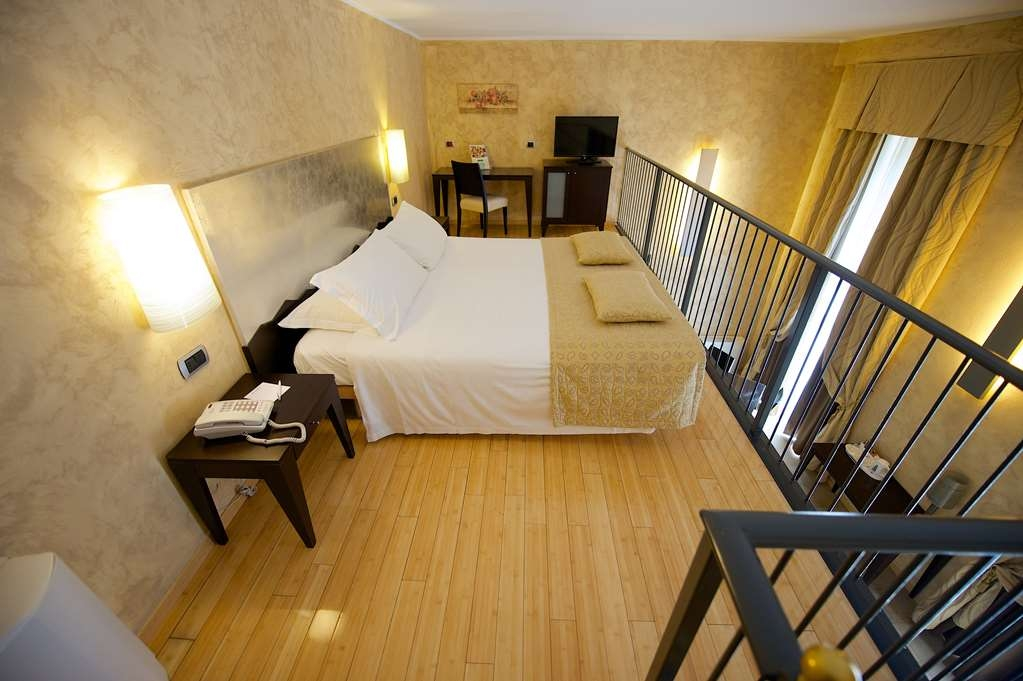 Best Western Crystal Palace Hotel - Family Room BEST WESTERN CRYSTAL PALACE HOTEL TORINO