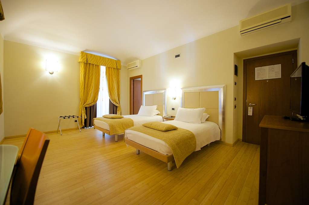 Best Western Crystal Palace Hotel - Twin Standard Room BEST WESTERN CRYSTAL PALACE HOTEL TORINO