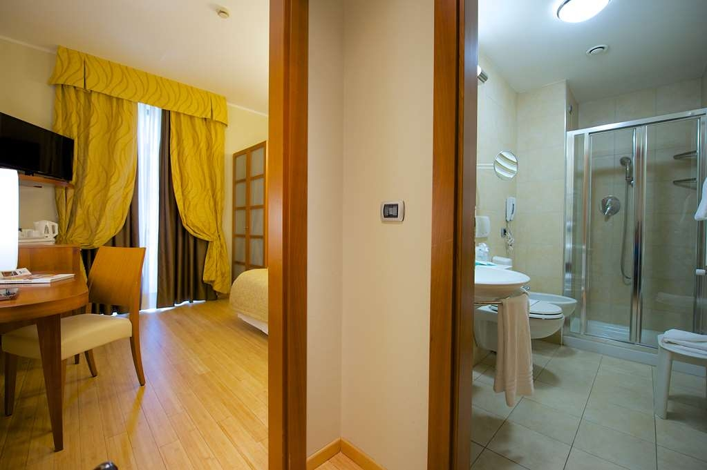 Best Western Crystal Palace Hotel - Single Standard Room BEST WESTERN CRYSTAL PALACE HOTEL TORINO