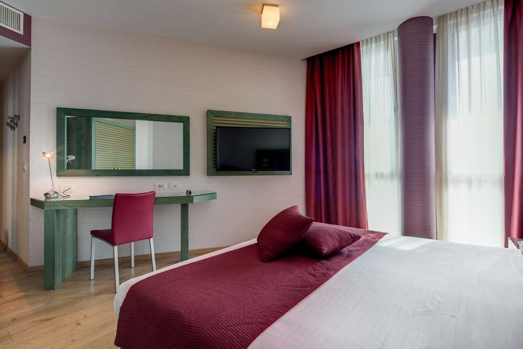 Best Western Ivrea Crystal Palace - Gästezimmer/ Unterkünfte