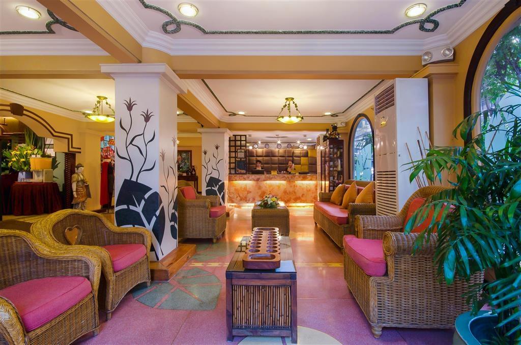 Best Western Hotel La Corona Manila - Hotelhalle