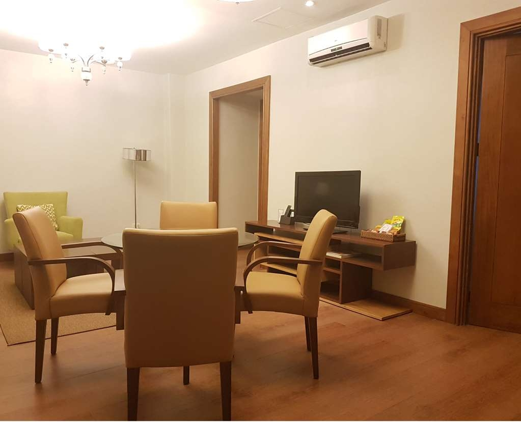 Best Western Plus Lex Cebu - Suite