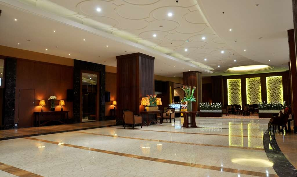 Best Western Mangga Dua Hotel and Residence - Vista del vestíbulo