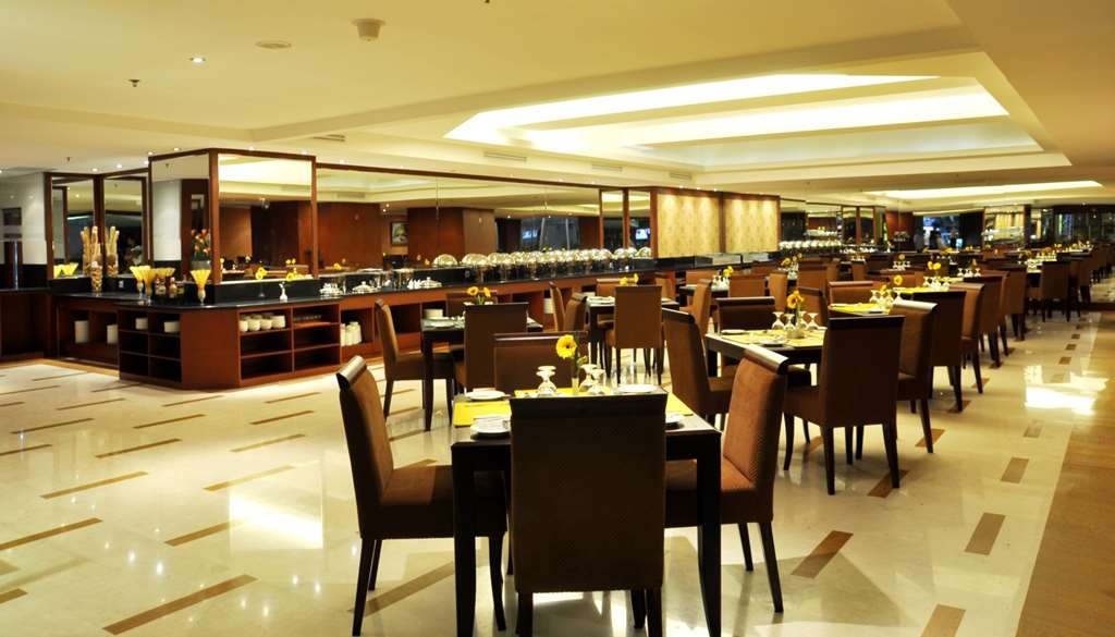 Best Western Mangga Dua Hotel and Residence - Restaurant / Etablissement gastronomique