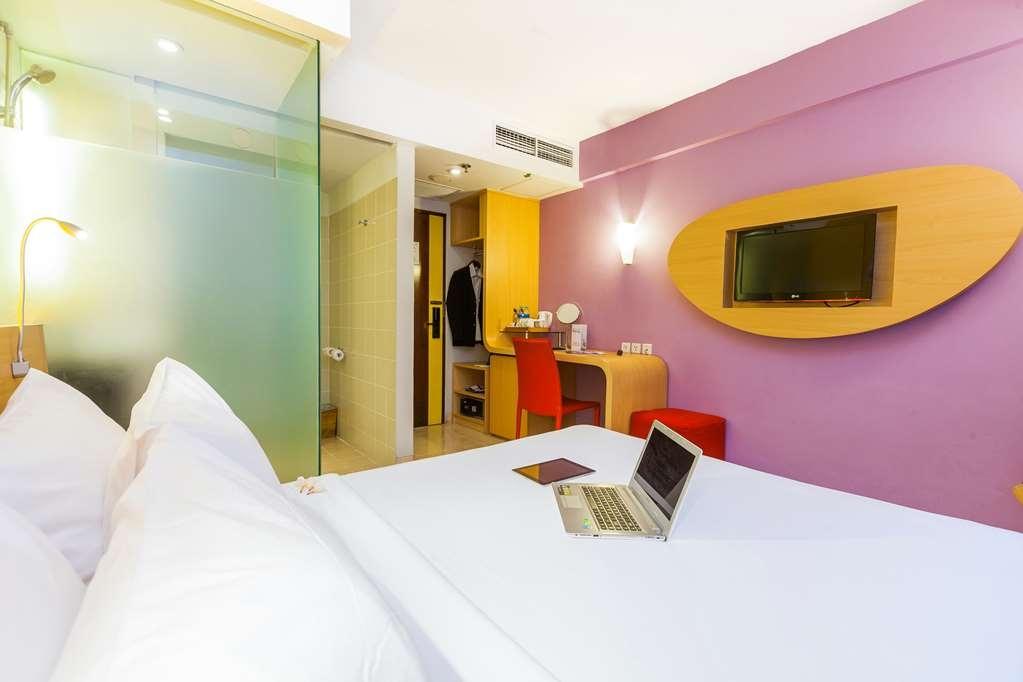 Best Western Kuta Beach - 1 Queen Bed