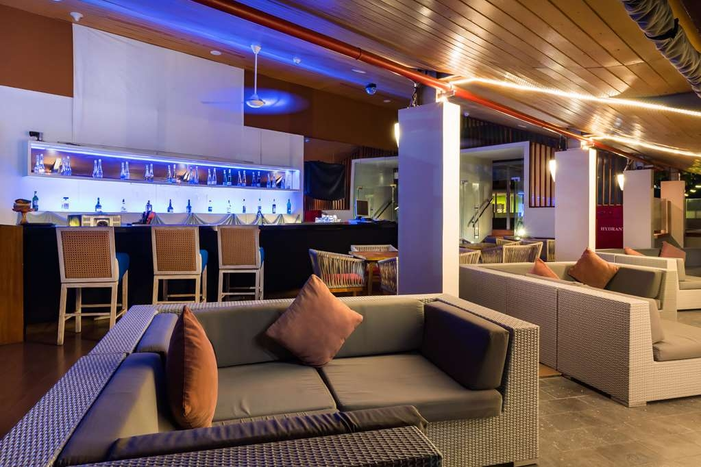 Best Western Kuta Beach - Bar/Lounge