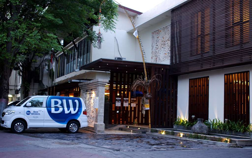 Best Western Kuta Villa - Hotel Entrance