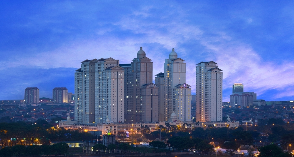 Best Western Plus Kemayoran - We are located in between the old city of Jakarta and the new city of Kelapa Gading.