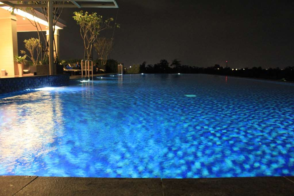Best Western Premier Solo Baru - Swimming Pool