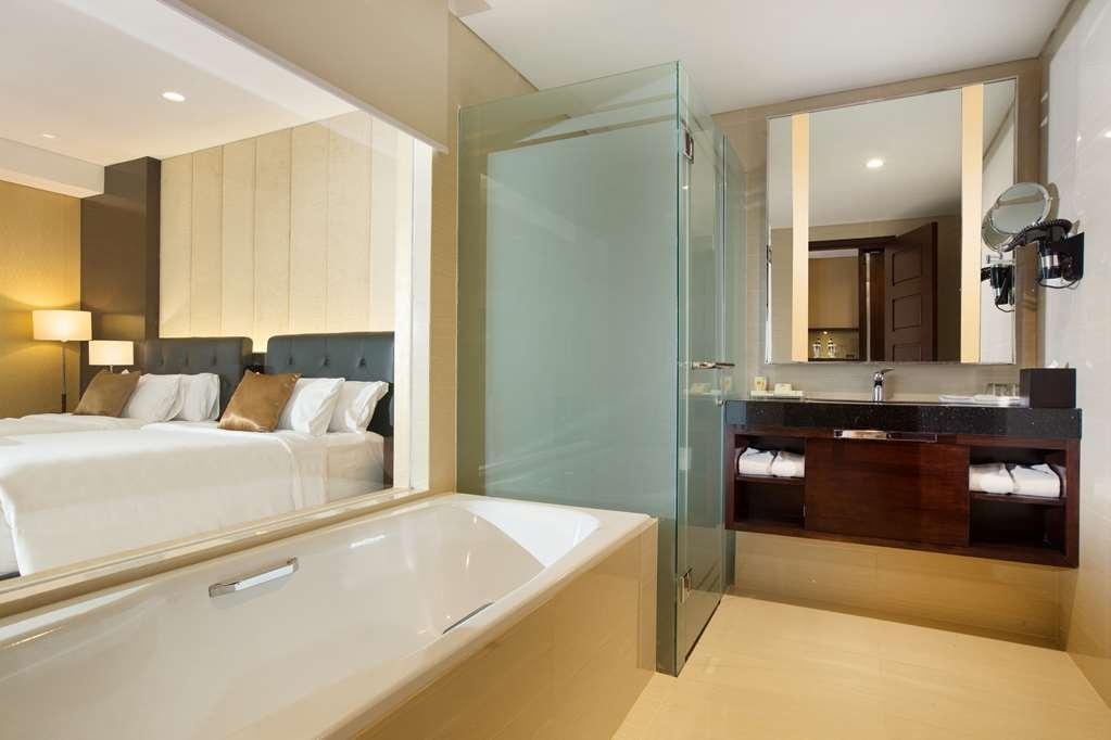 Best Western Premier Solo Baru - 2 Single Beds Junior Suite Room - Bathroom