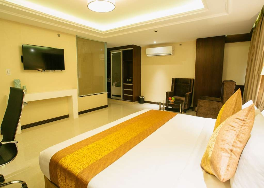 Best Western Plus Hotel Subic - Deluxe King