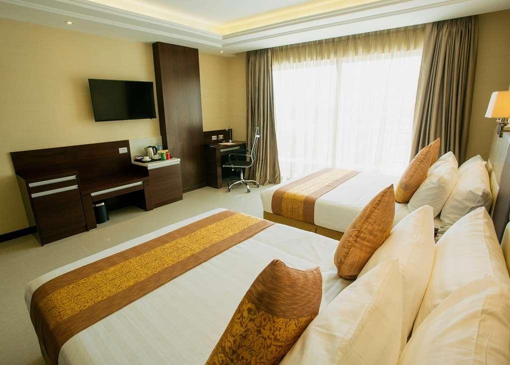 Best Western Plus Hotel Subic - Deluxe Queen Room