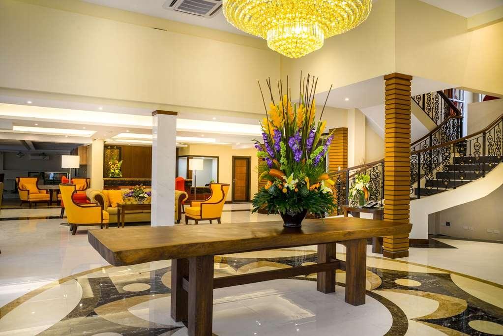 Best Western Bendix Hotel - Lobby Area