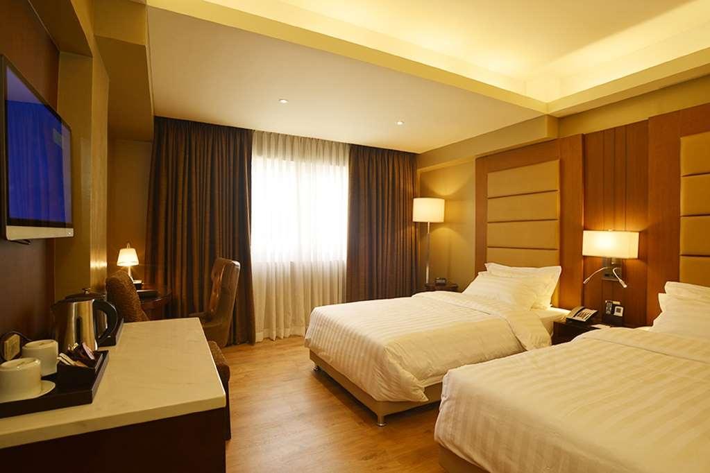 Best Western Bendix Hotel - Guest Room
