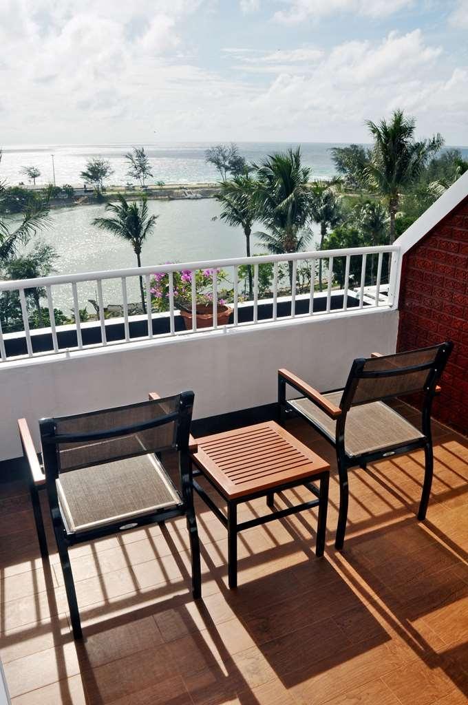 Best Western Phuket Ocean Resort - balcone