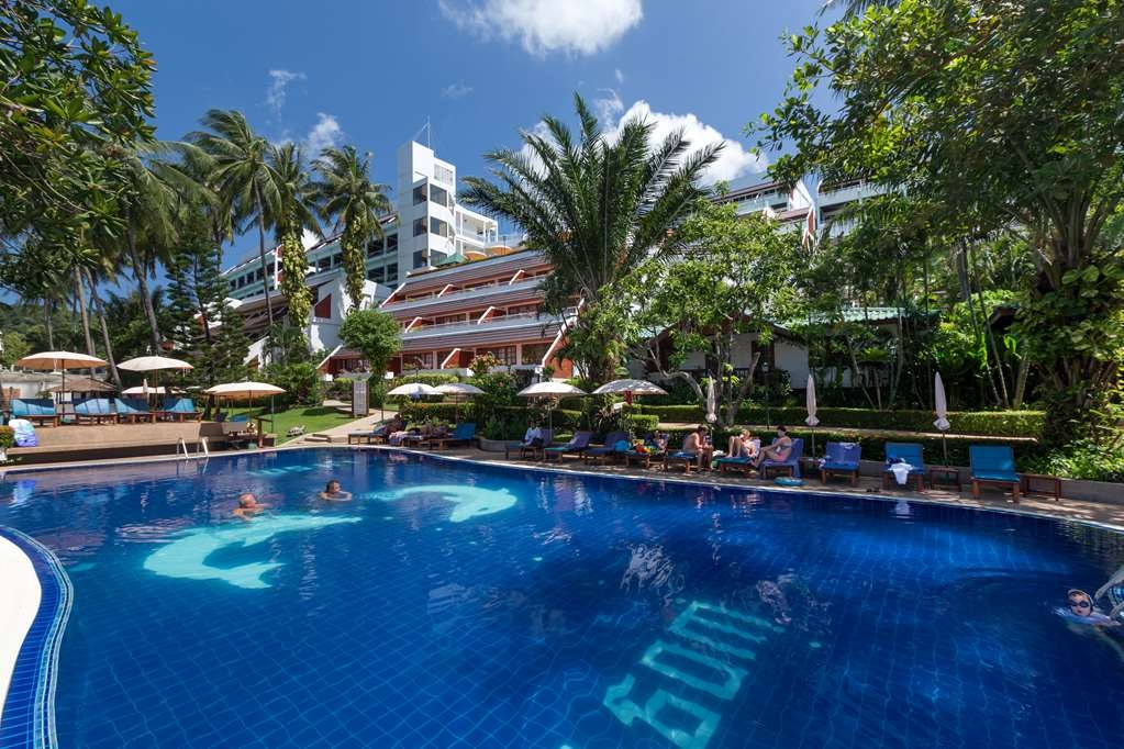 Best Western Phuket Ocean Resort - Outdoor Swimming Pool