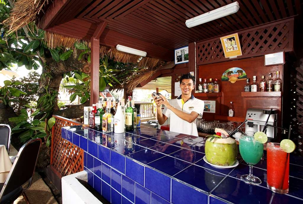 Best Western Phuket Ocean Resort - Pool Bar