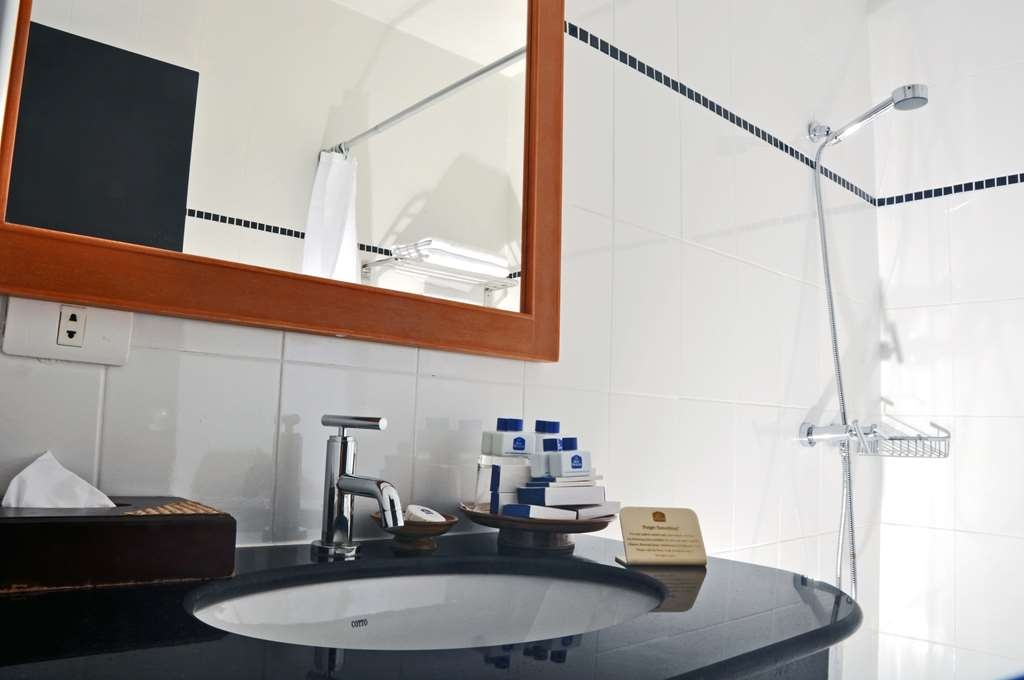 Best Western Phuket Ocean Resort - Superior Bathroom