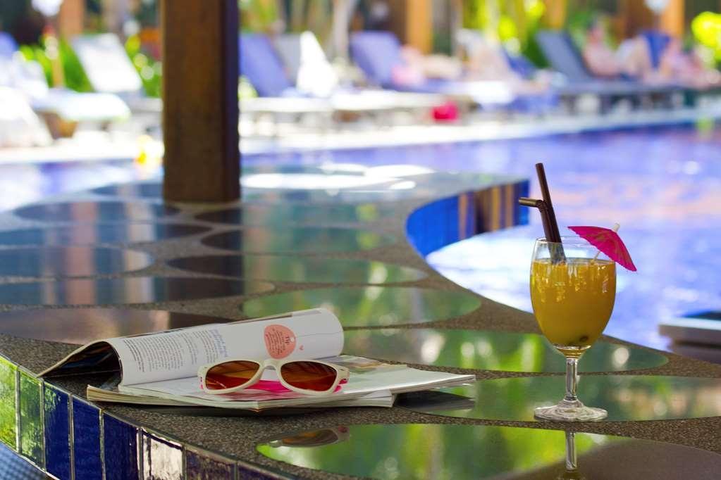 Best Western Premier Bangtao Beach Resort & Spa - Vista de la piscina