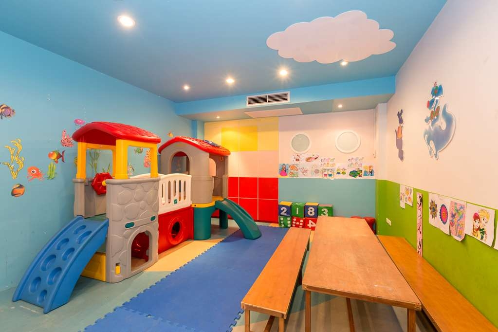 Best Western Premier Bangtao Beach Resort & Spa - Club de Niños