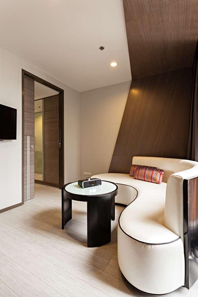Best Western Premier Sukhumvit - Bar / Lounge