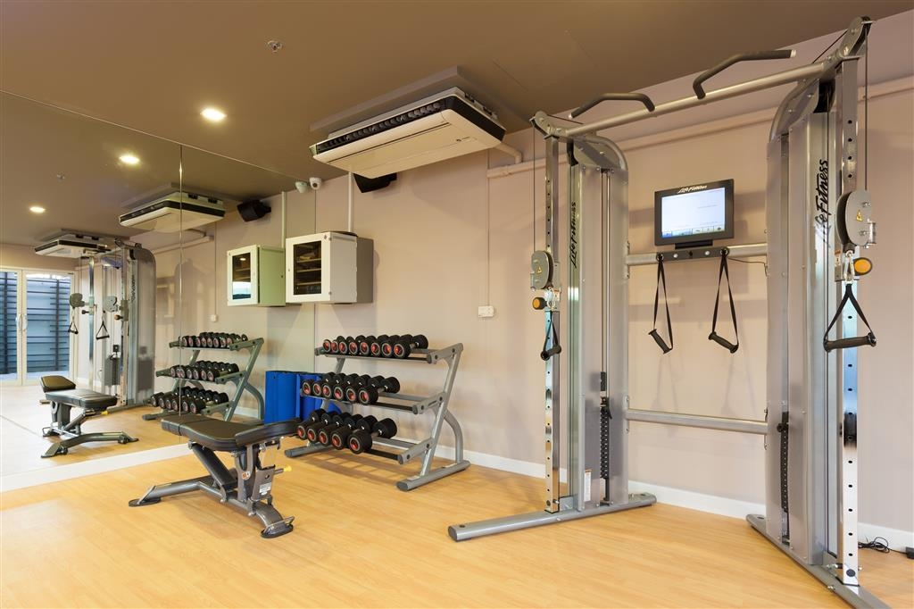 Best Western Patong Beach - Stay active in our fitness center with a variety of equipment.