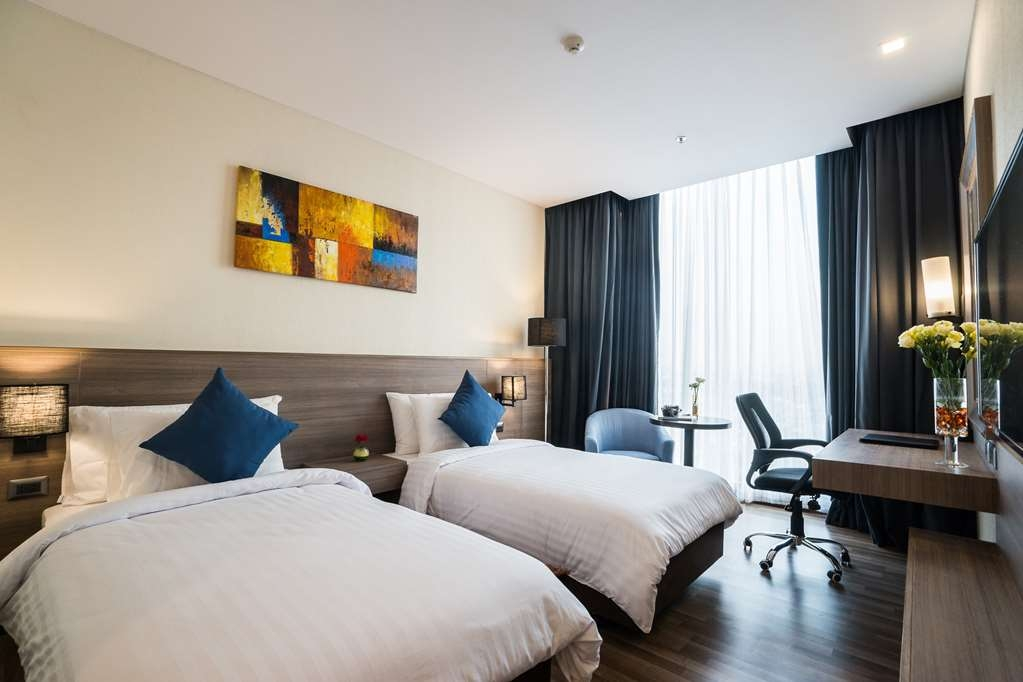Best Western Plus Wanda Grand Hotel - Superior Twin Bed Guest Room