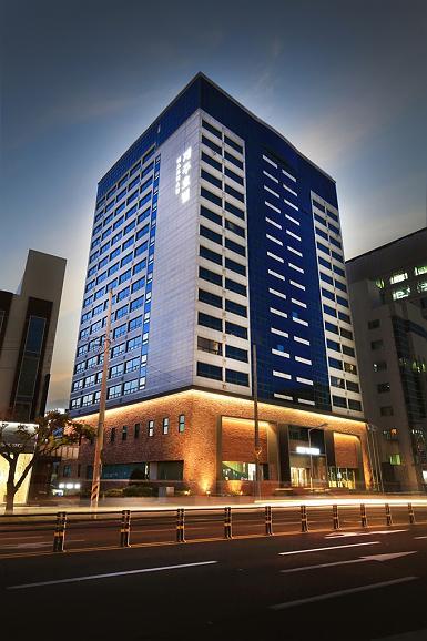 Best Western Jeju Hotel - vorne zur strasse