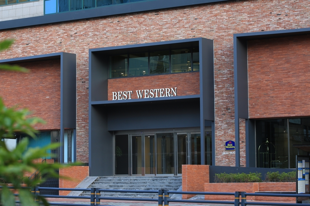 Best Western Jeju Hotel - Hotel Entrance