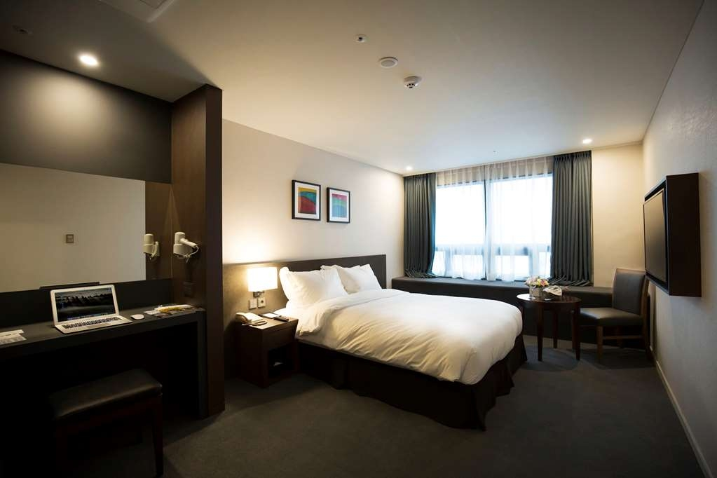 Best Western Jeju Hotel - Standard Double Bed Guest Room