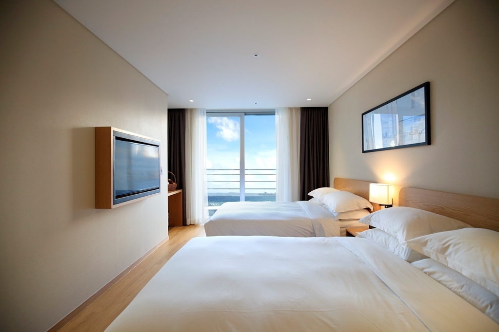 Best Western Haeundae Hotel - Two Double Bed Guest Room Side Sea View