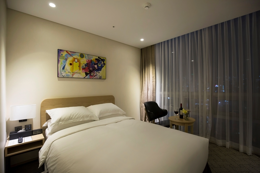 Best Western Haeundae Hotel - One Double Guest Room City Room