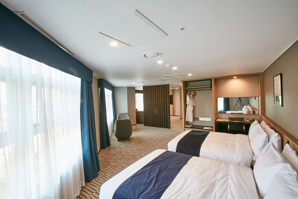 Best Western Plus Island Castle Hotel - Standard Guest Room with Two Double Beds