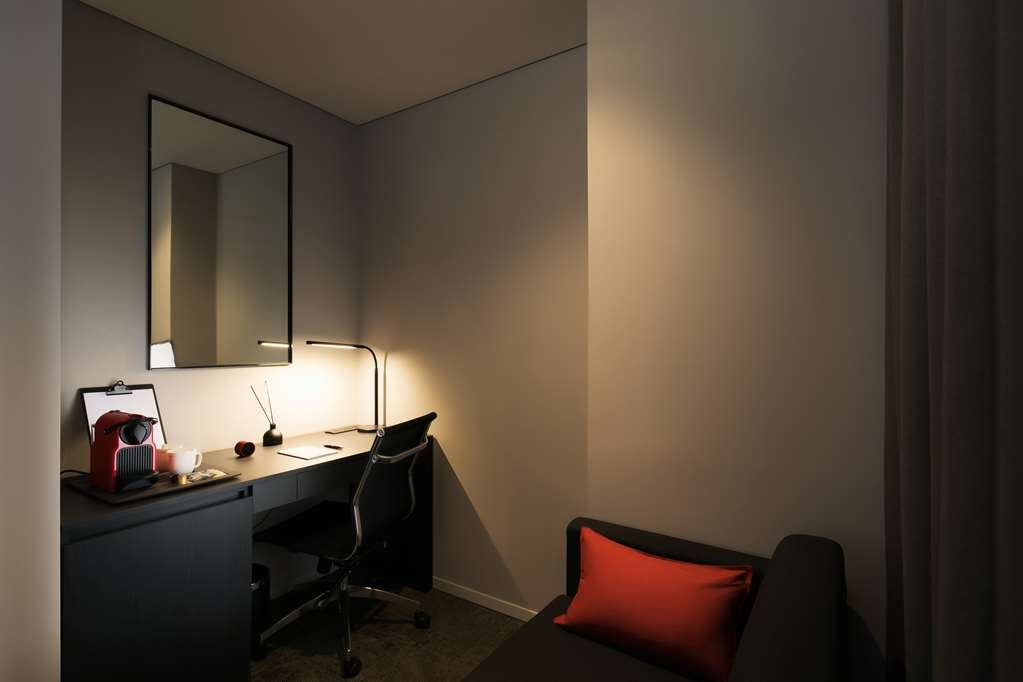 Aiden by Best Western @ Cheongdam - Room Amenity in the Suite with Two Double Beds for a Party of Four