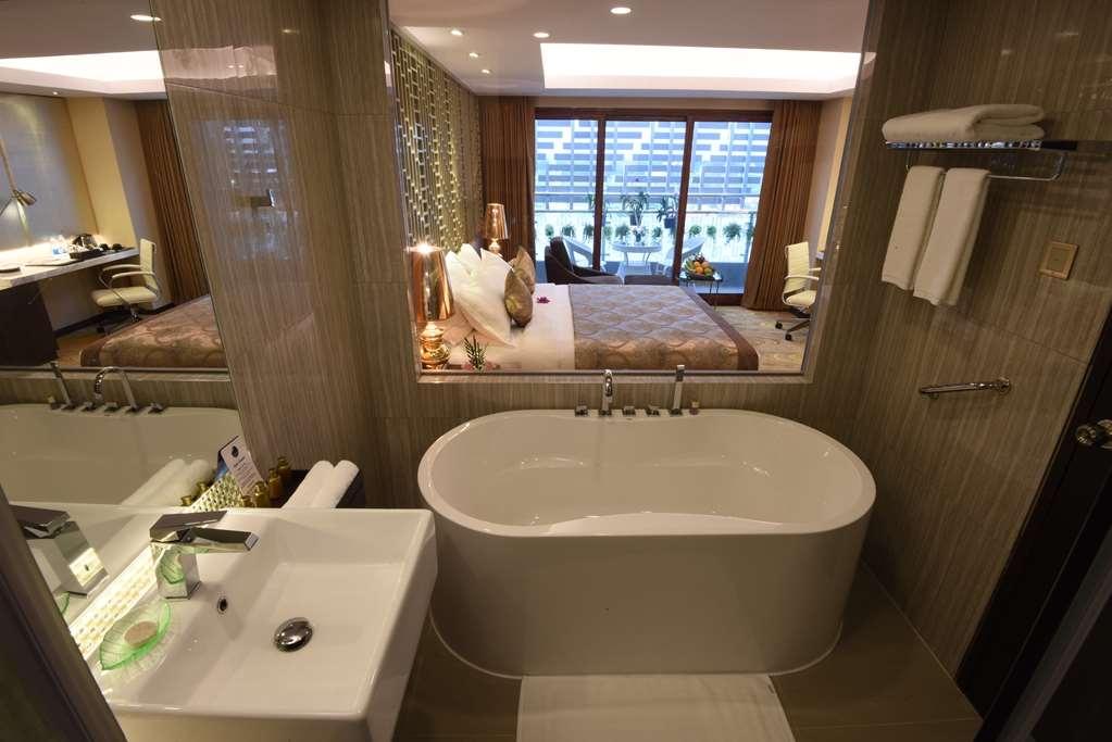 Best Western Chinatown Hotel - Premire Guest Room