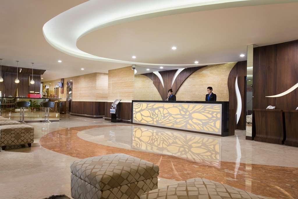 Best Western Papilio Hotel - Vista del vestíbulo