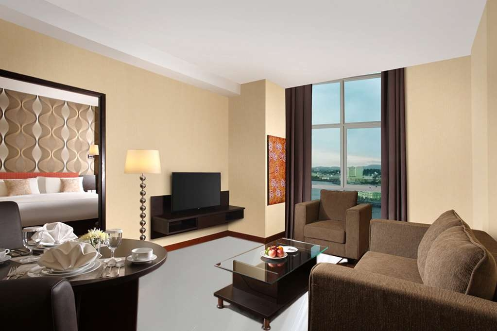 Best Western The Lagoon Hotel - Suite