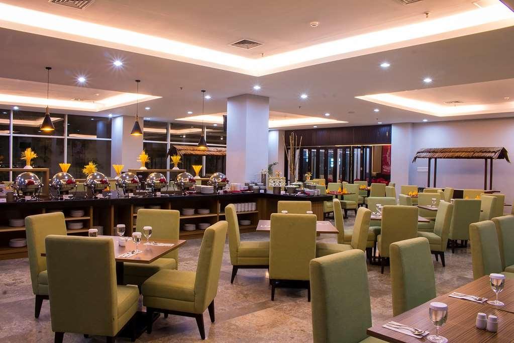 Best Western Plus Coco Palu - Asiate Restaurant