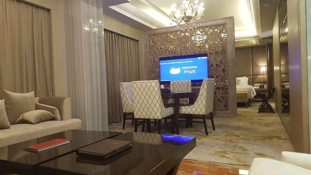 Best Western Premier Panbil - Pres Suite Room